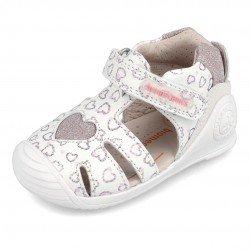Sandalias para niña con corazones de glitter de Biomecanics