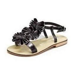 Sandalias de piel metalizado plomo, marca Fresas con Nata by Conguitos