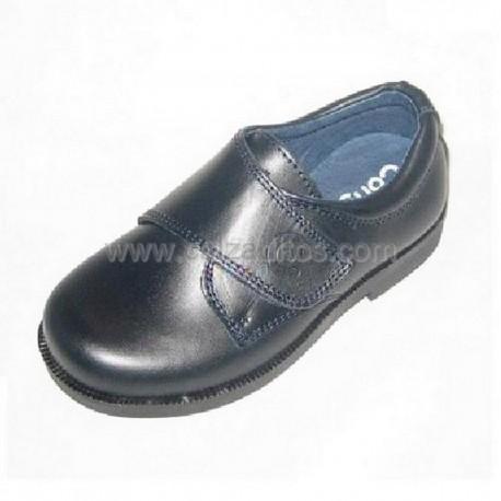 Zapatos colegiales azul marino de niño con velcro, de Conguitos