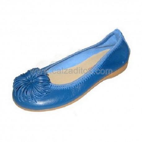 Bailarinas azules todo piel con pompón, de Andanines