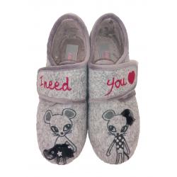 Zapatillas de estar por casa para niña con velcro de Zapy