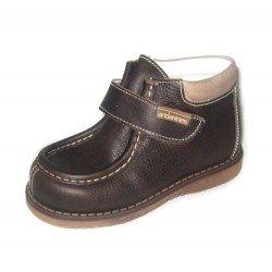 Zapatos de piel abotinados para niño, de Andanines