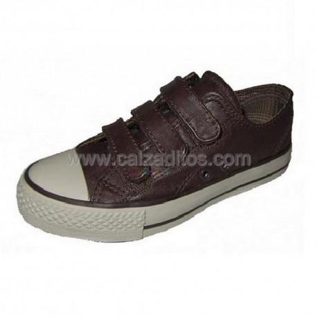 Zapatillas de polipiel marrón tipo basket en bajo, de Victoria
