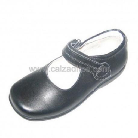 Zapatos colegiales negros de niña con velcro, de Campanilla