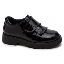 Zapatos cerrados de charol con hebilla de Pablosky