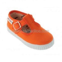 Zapatillas de lona tipo pepito en color naranja, de Victoria
