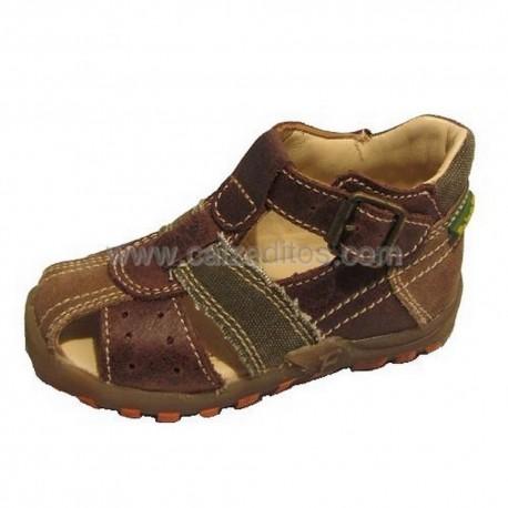 Sandalias de piel y lona en marrón y verde de Naturino-Falcottu