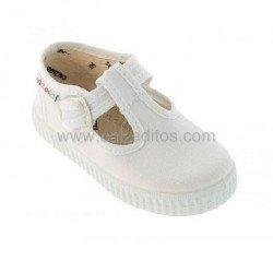 Zapatillas de lona tipo pepito en color blanco, de Victoria