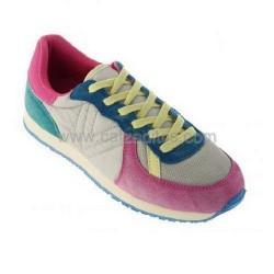 Zapatillas deportivas modelo jogging fucsia, de Victoria