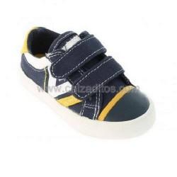 Zapatos deportivos azul marino con velcros, de Victoria