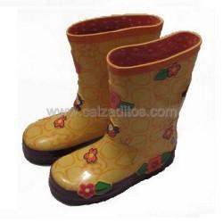 Botas de agua amarillas con relieves de abejas y flores de Gioseppo Kids