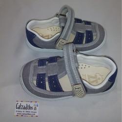 Sandalias en jeans gris acolchadas con velcro, de Zapy for kids