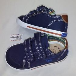 Zapatillas de lona azul marino con dos velcros, de Pablosky