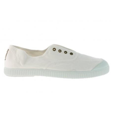 Zapatillas de lona con puntera en color blanco, de Victoria