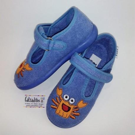 Zapatillas de rizo azul con cangrejo bordado y velcro, de Zapy