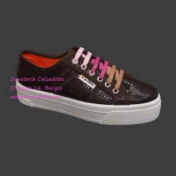 Zapatillas de lona con estampado de serpiente en marrón con suela doble, de BrixBol