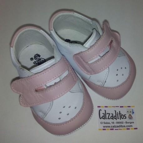 Deportivos de piel sin suela en rosa para bebé, de Ruespino