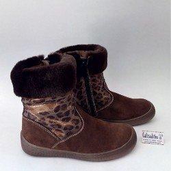 Botas de piel serraje marrón para niña con cremallera, de Andanines