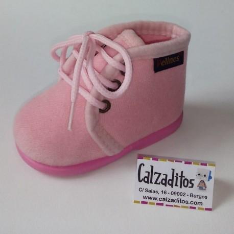 Zapatillas de estar en casa de paño rosa con cordones, de Pelines