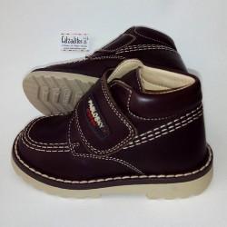 Botas tipo Kickers de piel marrón chocolate para niño o niña, de Pablosky