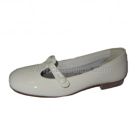 Zapatos de charol beige de vestir o Comunión de Papanatas de Eli