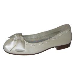 Zapatos de piel de vestir o Comunión con lazo de raso de Papanatas de Eli