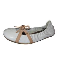 Bailarinas de piel blanca con camel de Papanatas de Eli