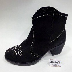 Botines de tacón para mujer en piel serraje negro, de B.D.A.