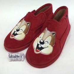 Zapatillas para estar en casa de textil rojo, de Pelines