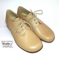 Zapato tipo blucher en piel lisa camel, de Baby Style