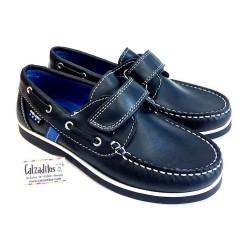 Zapatos náuticos deportivos de piel azul marino, de Pablosky