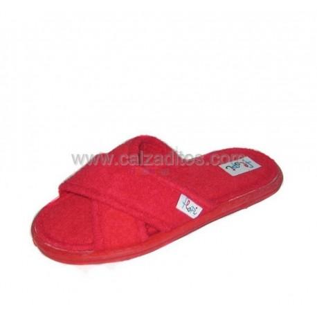 Pantuflas de toallita roja, marca Flopi