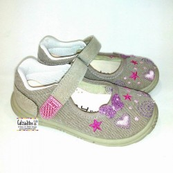 Merceditas de lona taupé con bordados y velcro, de Lonettes Zapy for girls